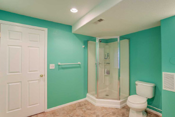 The bathroom is the only room in the house where the paint wears off quickly as compared to the other rooms. Hire the Bathroom Painting Experts from Mobile Handyman in Switzerland to get your Bathrooms painted with long-lasting water-resistant paint.
