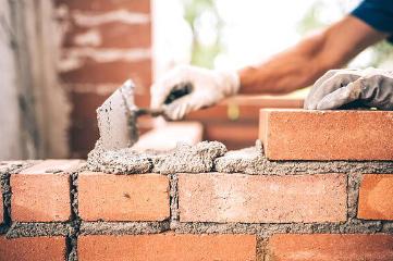 Obtenez la durabilité que votre propriété mérite grâce à Mobile Handyman qui offre des services de construction inébranlables à un prix raisonnable.