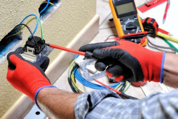 Whether it is a flickering light, a burnt circuit breaker, or a blown fuse, our electrical repair experts at Mobile Handyman will fix your electrical problems on time. We ensure that you're getting a premium electrical repair service in Switzerland that you deserve!