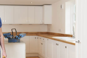 If you want to live comfortably, you need a functional kitchen, not just a pretty one. Whatever the size of your project, our kitchen renovation experts have the experience to provide your kitchen a stunning makeover with our inclusive kitchen renovation services in Switzerland!