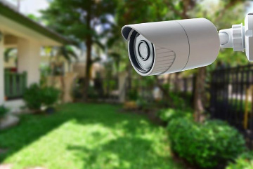 Sie wollen die Sicherheit Ihres Eigentums nicht aufs Spiel setzen? Mobile Handyman hilft Ihnen dabei, virtuelle Mauern um das Grundstück mit Überwachungskameras zu errichten, die zusammenarbeiten, um 3D-Darstellungen von Verstößen zu erzeugen. Die Kameras sind so synchronisiert, dass sie auf sensorische Provokationen reagieren!